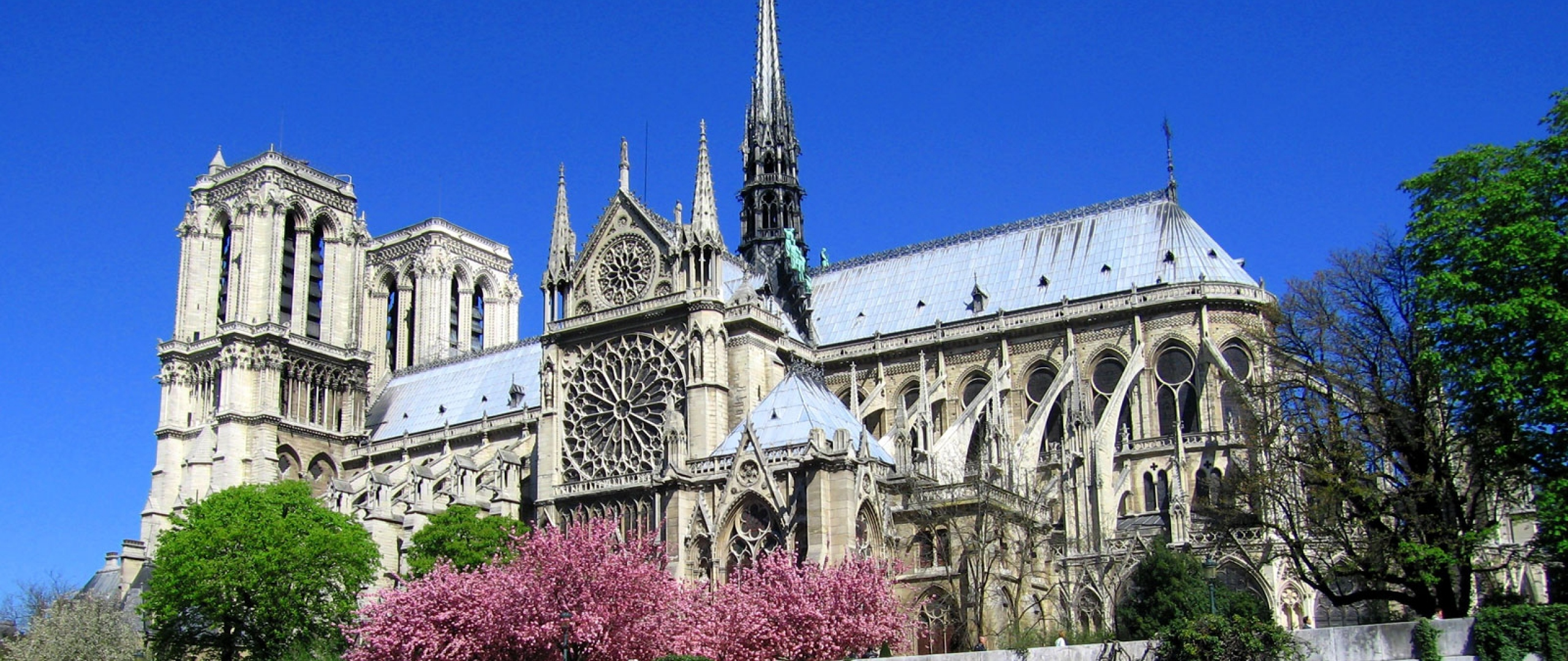 notre-dame_de_paris_cathedral_paris_france_10884_2560x1080